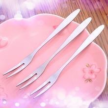 1 PC acier inoxydable fruits fourchette couverts cornichon gâteau Snack Dessert salade couverts deux fourchette le moins cher dans tout le réseau chaud