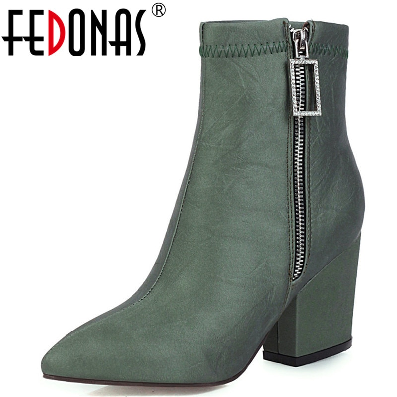 FEDONAS Klassische Kurze Stiefel Frauen Antumn Winter Party Grundlegende Schuhe Frau Spitz Zipper Stiefeletten Plus Größe Chelsea Stiefel