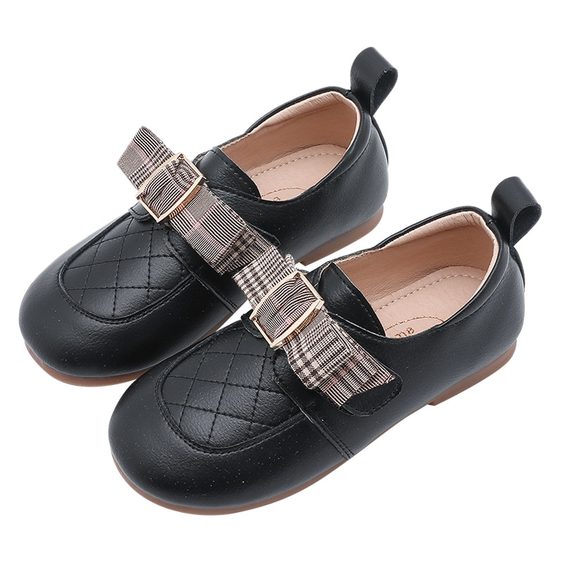Girls' black leather shoes Girls' shoes 2020 new spring and autumn children's soft-soled leather children's black shoes. enlarge