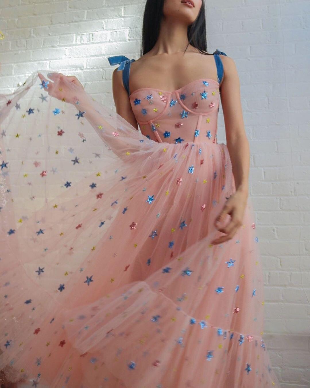 Noeud noué sangle maille robe femmes petite étoile à volants conception Spaghetti sangle dentelle robe 2020 été doux Maxi robes de soirée