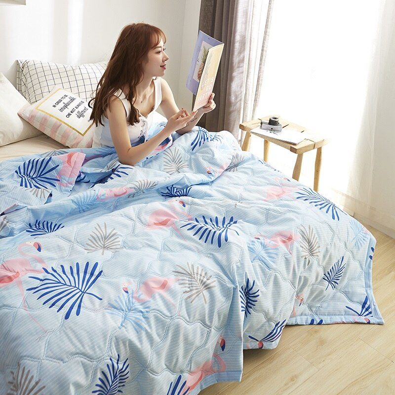 Very Comfortable Quilt Washable Ice Silk Summer Air Conditioning Comforter New Design Blanket New Quilt Duvet 100% Silk Blanket