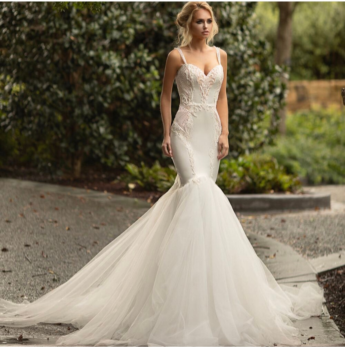 Mermaid Wedding Dress 2021 Sweetheart Spaghetti Straps Lace Embroidery Backless Tulle Sweep Train Bride Gown Vestidos De Noiva