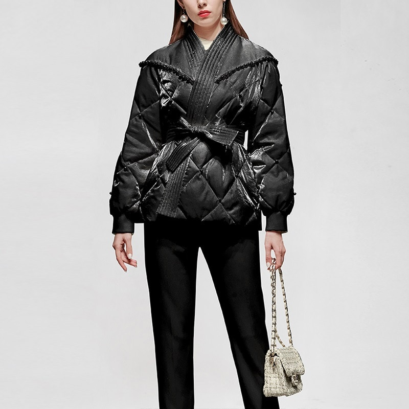 2020 winter new fashion and elegant temperament all-match lantern sleeve beaded white short down jacket comfortable to wear