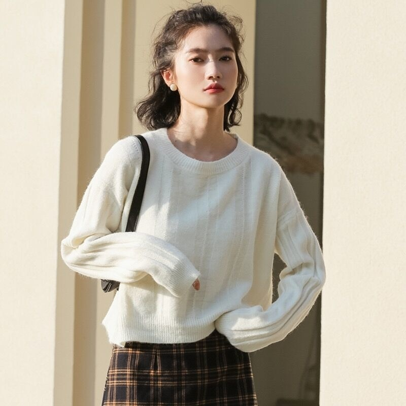 2021 autumn winter new Korean women's clothing loose niche chic pit strip simple long sleeve round neck sweater Pullover Top