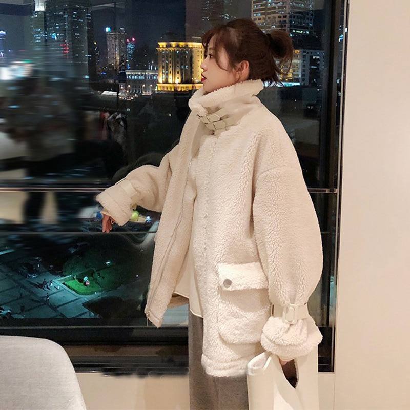 Abrigo de piel para mujer 2019, abrigo coreano de piel blanca de cordero salvaje, ropa de motocicleta de felpa, abrigo de piel sintética holgado, chaqueta peluda