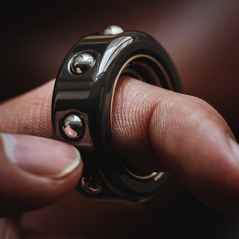 LAUTIE SAM Ring Gyro Devil's Son Fingertip Decompression EDC Finger Rotation Black Technology Toy enlarge