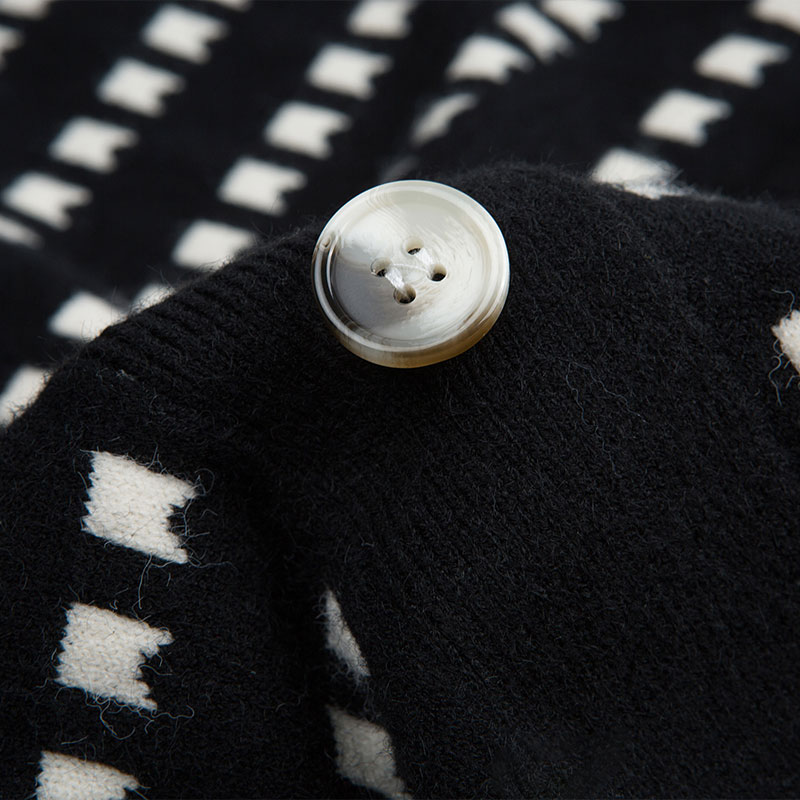 Knitting cardigan ladies sweater season in 2020, the new stripe western style fashion comfortable on a lazy wind outside enlarge