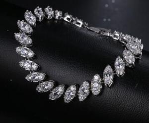 T1126 Simple Square Bracelet Female Exquisite Platinum Plated Bracelets For Wedding Gift Accessories