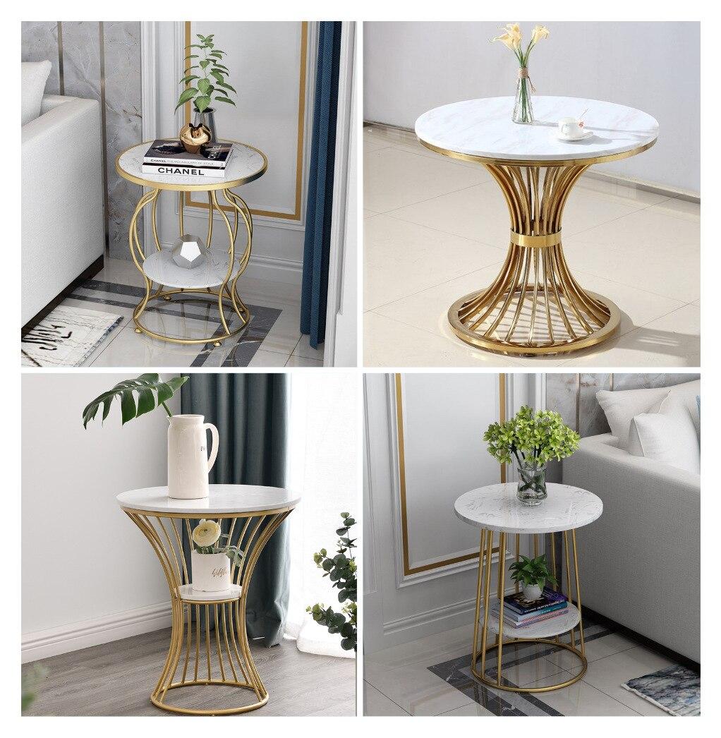بسيطة طاولة القهوة الحديثة شقة صغيرة غرفة المعيشة أريكة الزاوية الرخام عدة طاولات مستديرة مع شرفة