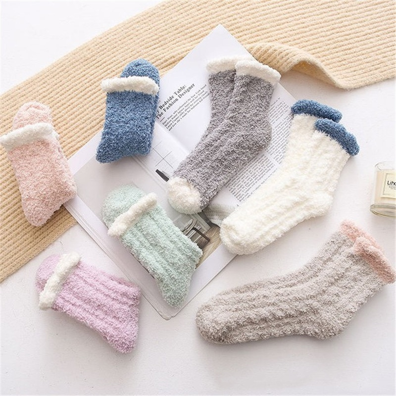 1 Pair of New Pure Color Hemp Coral Velvet Sleeping Socks Simple and Thickened Warm Middle Tube Household Floor Socks Children
