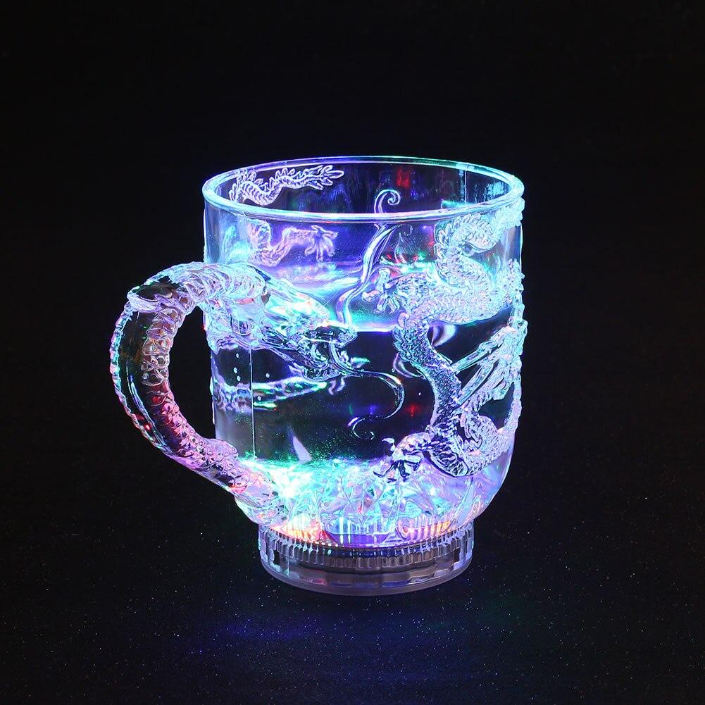 Светящаяся кружка, пластиковый инструмент, бокал для вина с винным драконом, для здоровья, Led, Крутое изменение цвета, универсальная модная кружка, украшение для столовых приборов