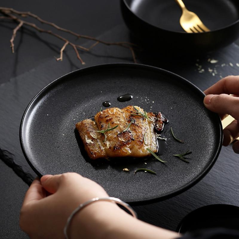 أدوات مائدة سيراميك سوداء غير لامعة ، طبق ستيك ، أدوات مائدة فاخرة للفنادق والمنزل والسلطة الغربية