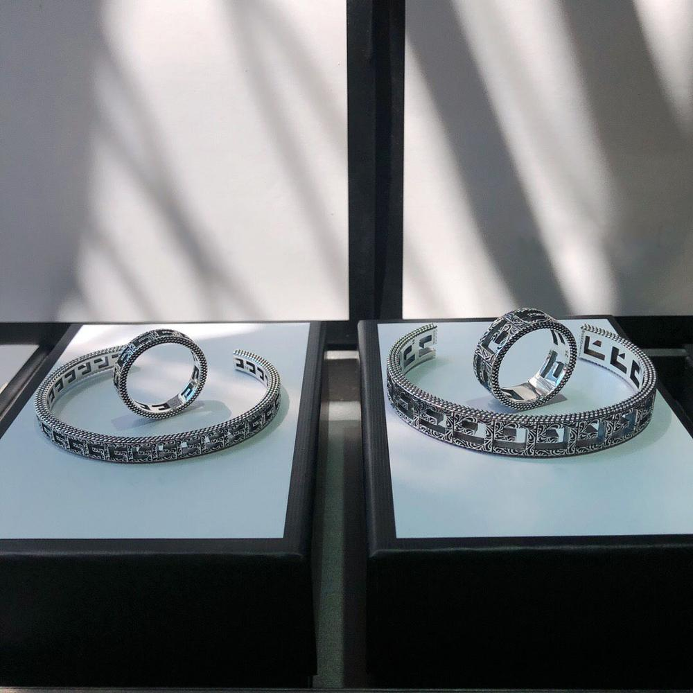 100% 925 sterling silver bracelet, retro craftsmanship, charm, original micro fashion gift, classic LOGO jewelry gift