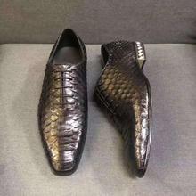Qualité de luxe nouvellement véritable peau de serpent python véritable couleur noire hommes chaussure daffaires avec base de chaussure en peau de vache et doublure
