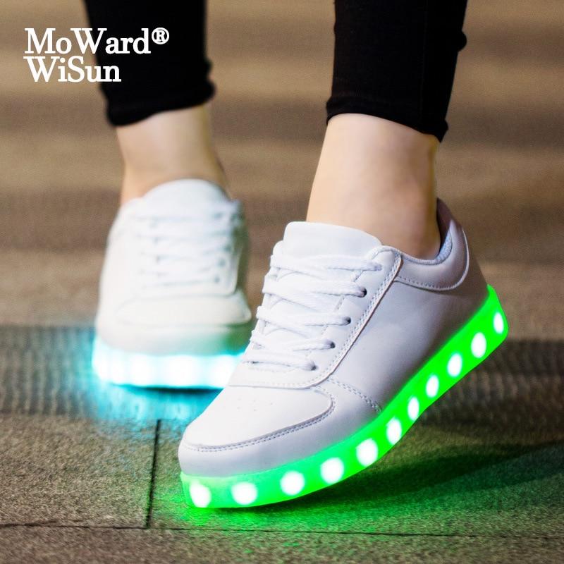 حجم 27-42 الأطفال مضيئة أحذية رياضية مع مضاءة حتى وحيد الاطفال الفتيان الفتيات الأحذية مع ضوء مصباح LED متوهج النعال USB شحن