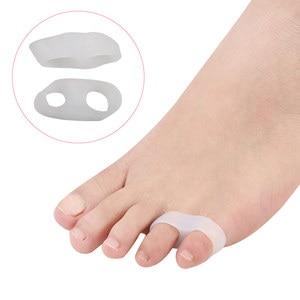 Pexmen 2Pcs Gel  Toe Separator Sleeves Protectors Toe from Rubbing Ingrown Toenails Corns Blisters and Hammer Toes