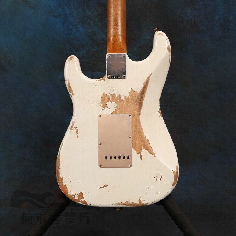 Electric Guitar,rosewood fingerboard.High quality pickups gitaar.relics by hands.handmade 6 stings white color guitarra. enlarge