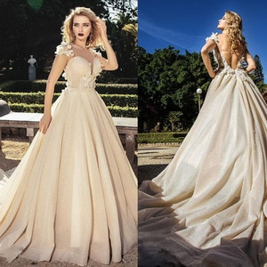 Scoop Neckline Handmade Flowers Bling Bling Tulle A-line Wedding Dress with Backless Court Train Bridal Dress Palace Dress