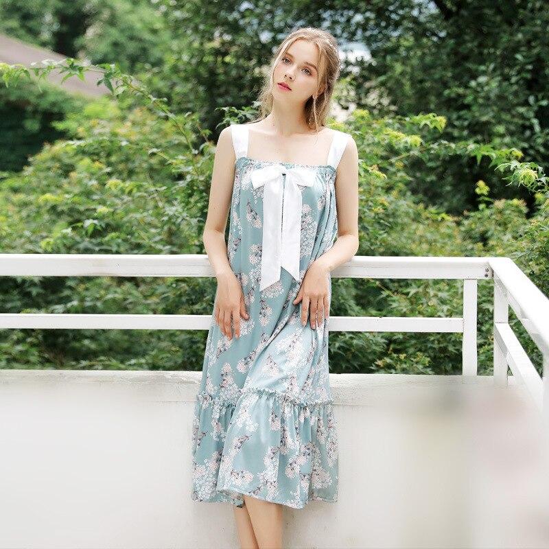Chinese Crane Printing Pyjamas Womens Nightgown Sleepwear Spaghetti Strap Silk Satin Sexy Sleepshirts Loose Long Sleep Dress
