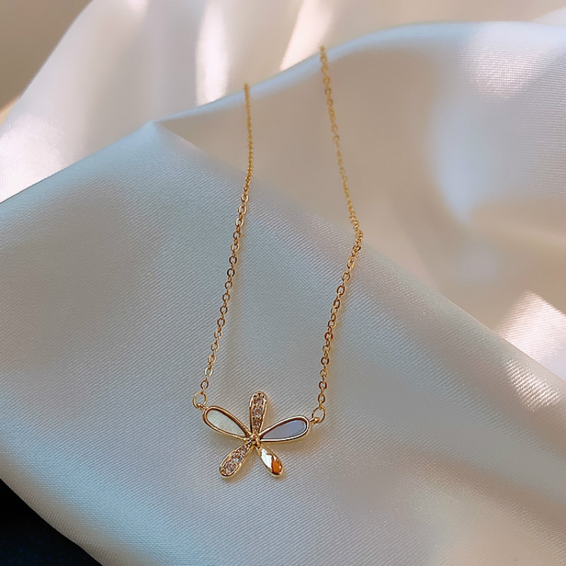 Novo coreano na moda doce cristal cinco folhas flor gargantilhas colares para mulheres temperamen metal jóias oorbellen presente