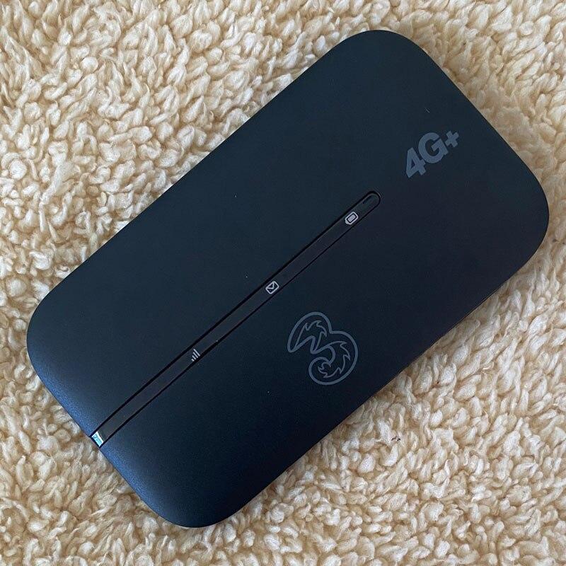 Huawei E5783B-230 Hotspot WiFi Super Fast 4G 300 Mbps enlarge