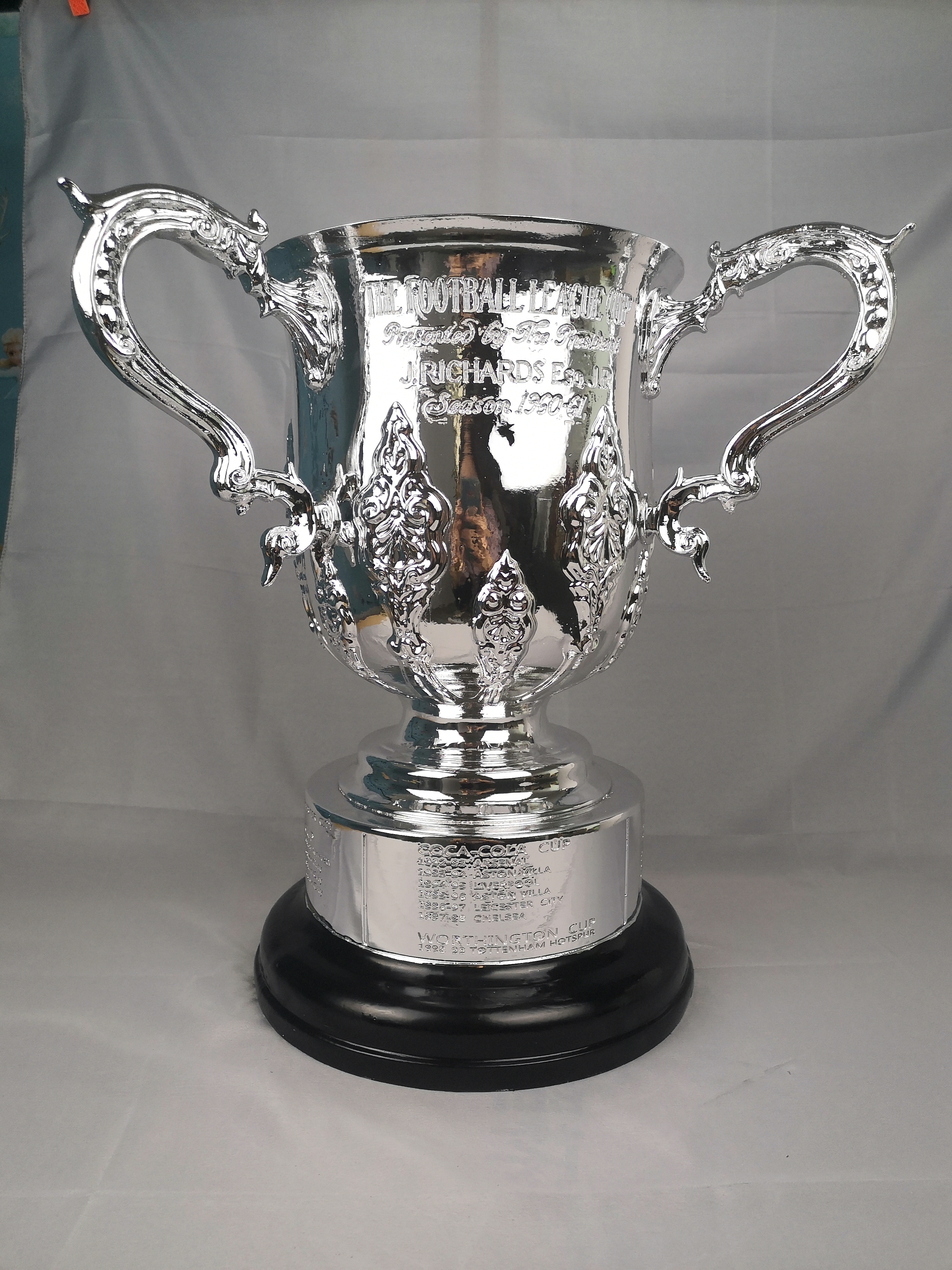 The EFL Cup Trophy Cup 40CM Height 1:1 Real Size The Carabao Cup Trophy The Football Championship Cup Soccer Trophy Cup