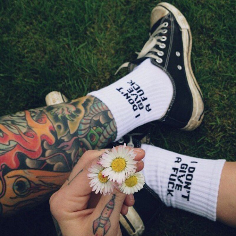 A Variety Of Women Sport Long Socks Funny Halajuku Socks Cotton Letter Casual Sock Solid Hipster Unisex Crew Socks White/Black
