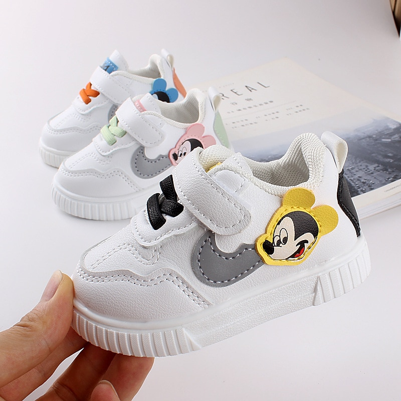 Toddler shoes soft bottom spring and autumn breathable and comfortable baby shoes 0-3 children and t