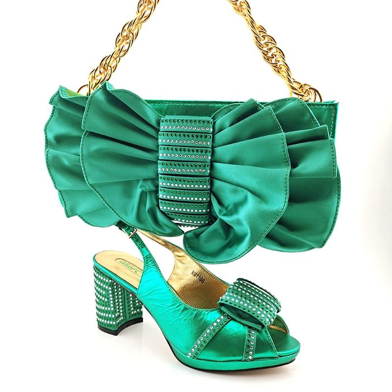 تصميم إيطالي 2021 حفلة وصول جديدة أنيقة النساء والأحذية مجموعة الحقائب باللون الأخضر