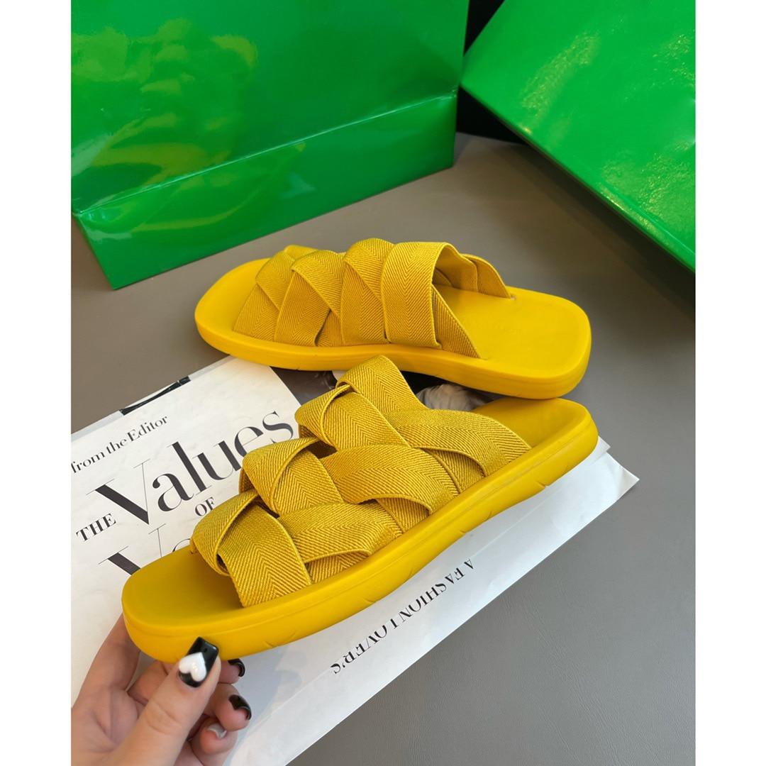 تصميم فاخر جديد النساء الصنادل النساء أحذية مفتوحة للنساء 2021 النساء أحذية في الهواء الطلق أحذية مصممين أحذية رياضية sandales