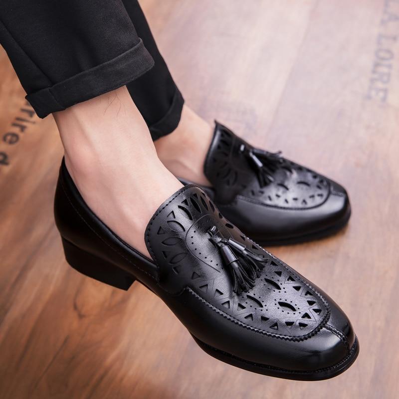 2021 حذاء رجالي موضة الأعمال مأدبة البريطانية شهم لون نقي بو جوفاء منحوتة هامش منخفضة الكعب المتسكعون 3KC367