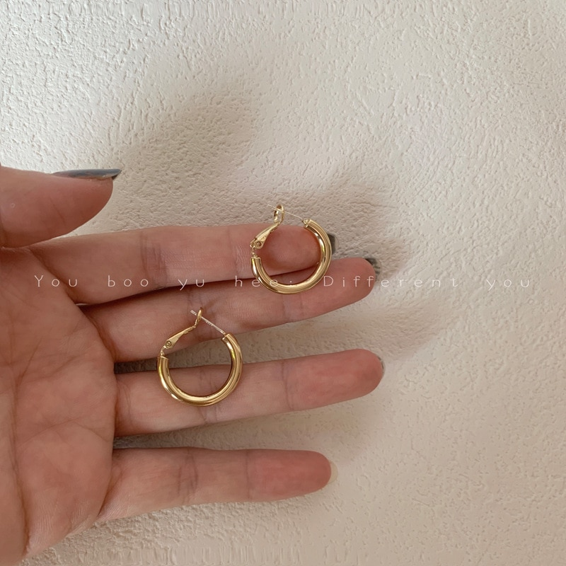 Simple Compact Circle-shaped Circle Earrings Korean Elegant Wild Earrings New Trendy Earrings for Women Fashion Jewelry pair of trendy solid color circle long earrings for women