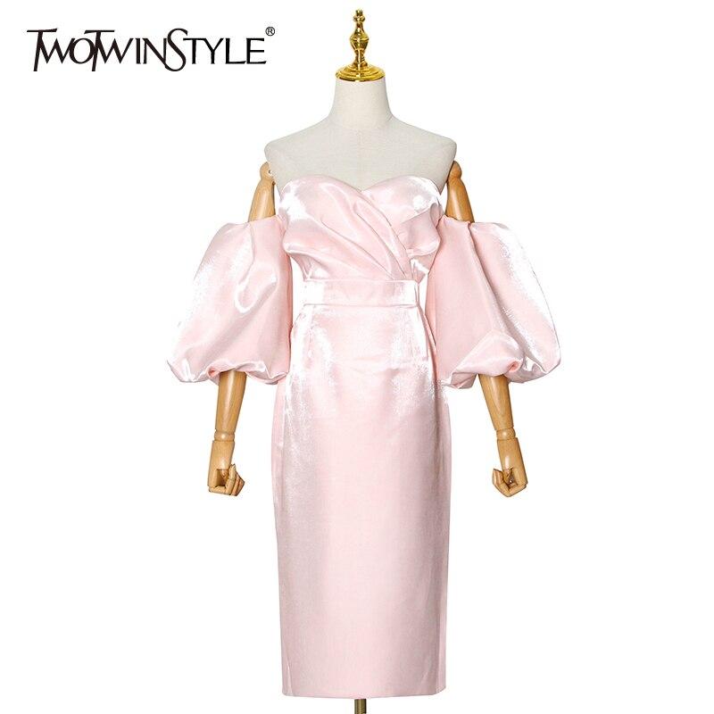 TWOTWINSTYLE قبالة الكتف فستان وردي للنساء حمالة نفخة الأكمام عالية الخصر ميدي ثوب أنيق موضة الملابس النسائية 2020