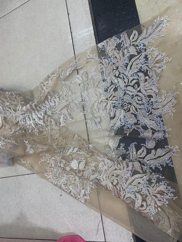 Stock 5 yardas/bolsa de plata gris bordado de lentejuelas de moda de alta gama de estilo europeo y americano tela para vestido de novia