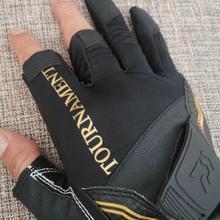 Daiwa Leather Anti Slip 3/5 Half-Finger Fishing Gloves Outdoor Sports Camping Hiking Cycling Fishing