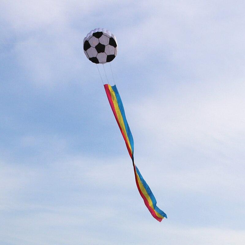 Cometa de fútbol inflable blando, cometa de dibujos animados para niños, cometa de cola larga de Color, cometa de línea única, herramienta de vuelo deportiva para actividades al aire libre y recreativas para adultos