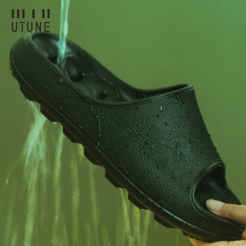 UTUNE إيفا المنزل النعال الرجال أحذية الحمام ثقب تسرب الصنادل داخلي حذاء رجالي شبشب نسائي دش المضادة للانزلاق الصيف الشرائح