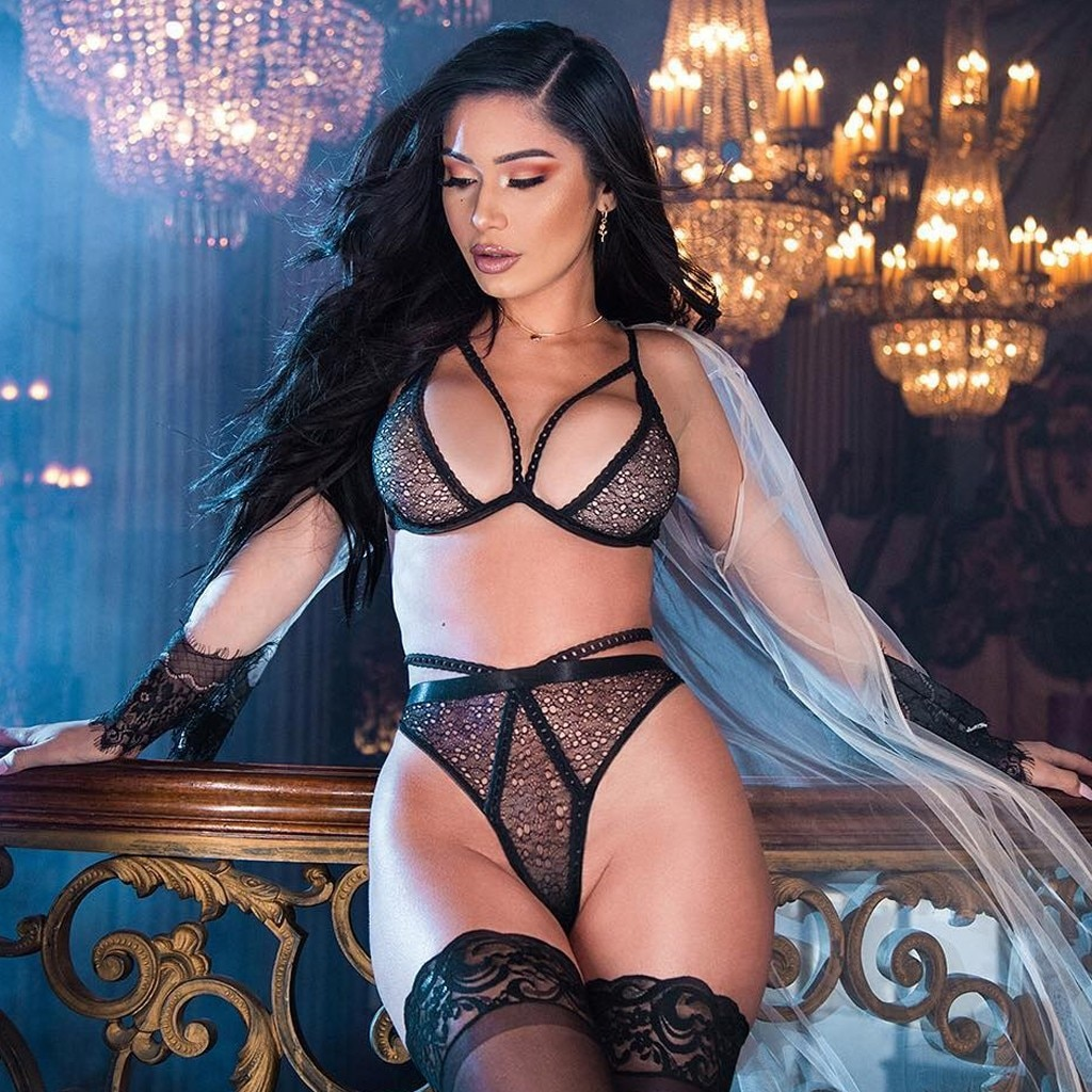Women Lace Sexy Lingerie Underwear Hollow Plus Size Bra lenceria Erotic sexy hot Sleepwear caliente Thong lingerie 2PC Nightwear