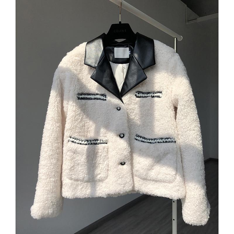 الرياح الصغيرة عبق و ياقة جلدية الأغنام القص معطف الفرو واحد معطف فرو الضأن النساء 20 الملابس الشتوية