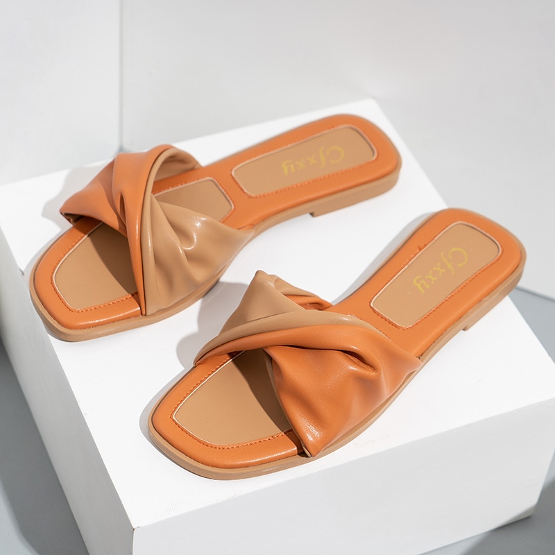 New Outside Flat with Women Slides Summer Casual Womans Slippers Non-slip Indoor Low (1cm-3cm) Student Ladies Sandals Sexy Shoes
