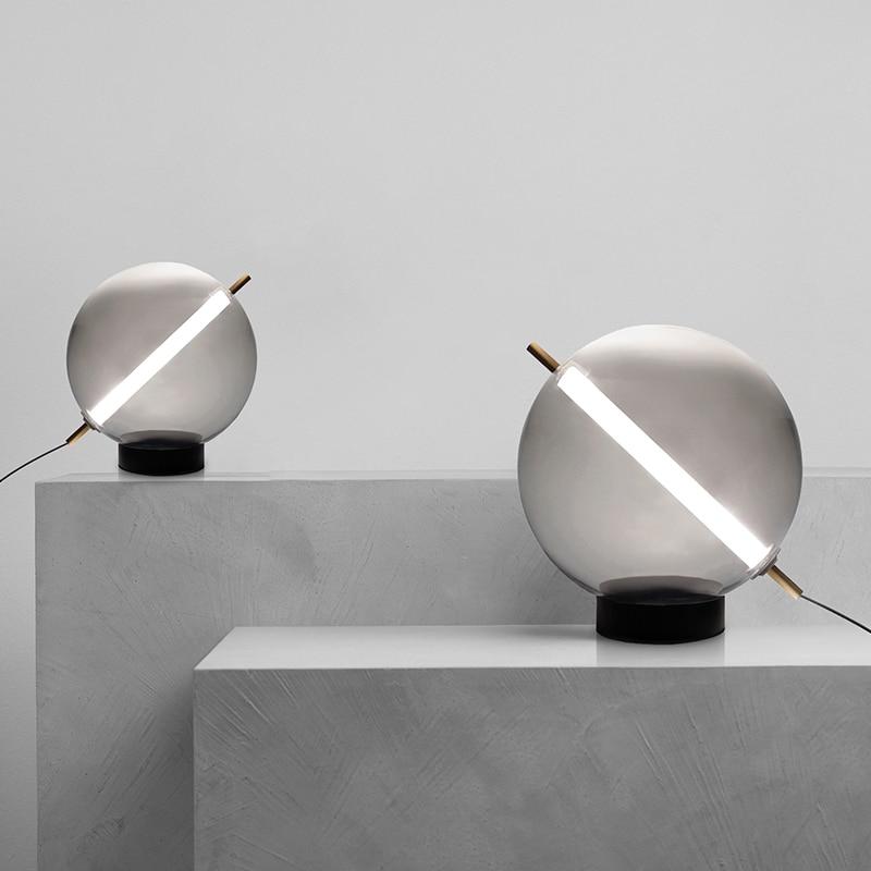 LED الإبداعية الجدول مصباح لغرفة الدراسة Beroom السرير داخلي الديكور مصباح الطاولة بسيط الحديثة الدخان رمادي زجاج مكتب الإضاءة
