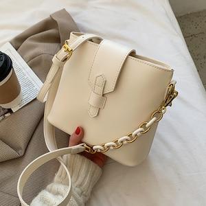 Niche Design Popular Handbags New Fashion Messenger Bag Senior Bucket Bag Shoulder Bag Underarm Bag Dual-use Bag Width: 21.5cm