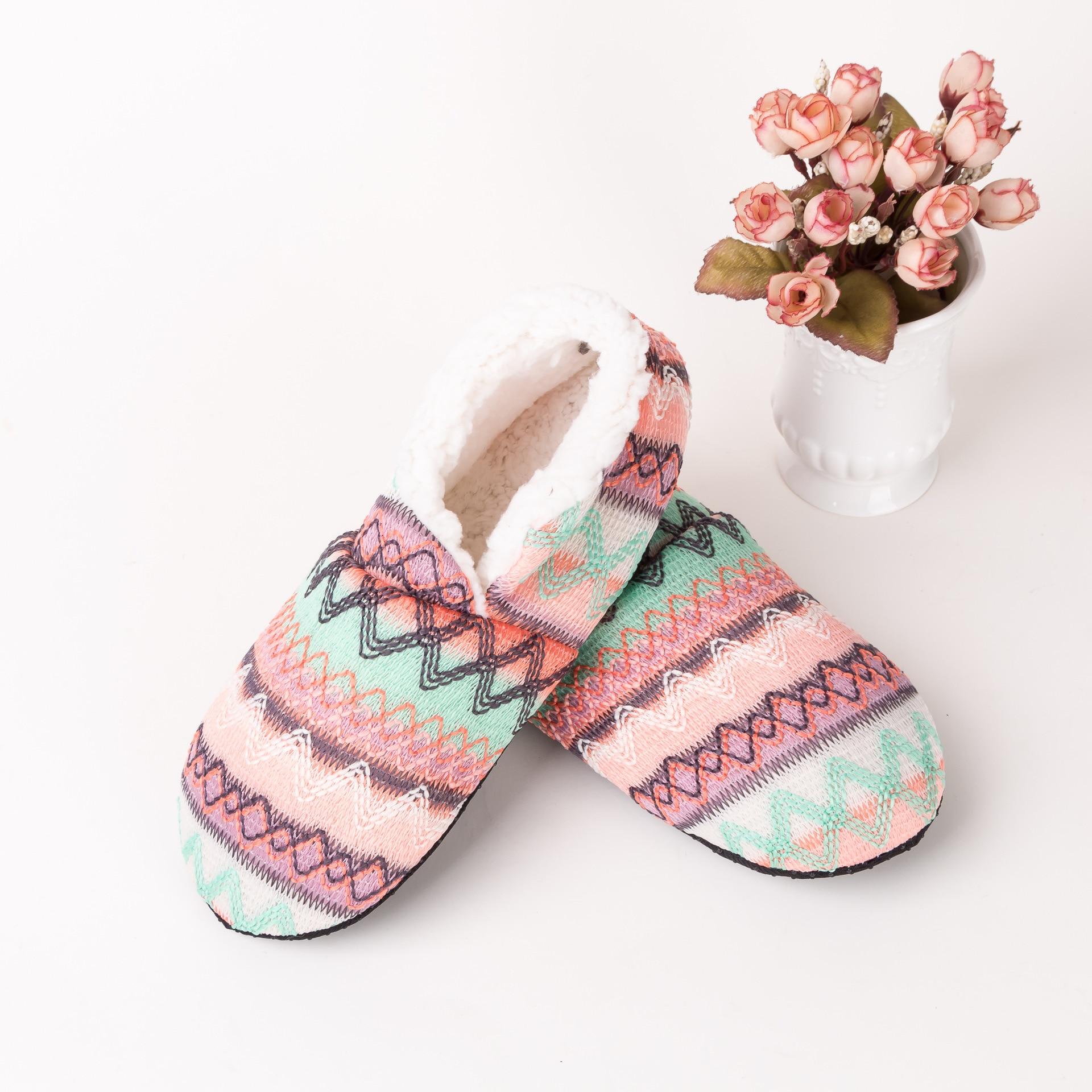 Botas cálidas de invierno, zapatos de calcetín para mujer, zapatos de suelo de felpa de lana, suela blanda antideslizante, talla libre