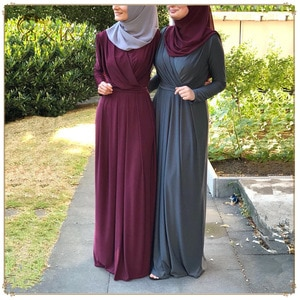 cross-border e-commerce sources quickly sell Muslim fashion simple elegant long dress.