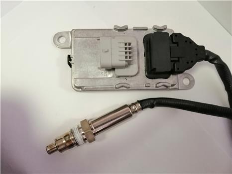 Nitrogen Oxygen Sensor Nox Sensor 24V  For VOLVO Truck  22827991 5WK97368 7422827991 enlarge
