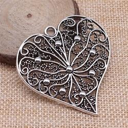 5 pçs 52x52mm prata antiga oco esculpida coração forma encantos diy retro jóias caber brinco chaveiro cartão de cabelo pingente