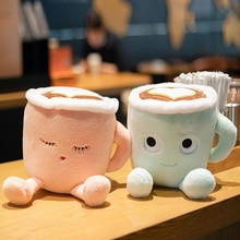 Taza de café de felpa con dibujos bonitos y esponjosos, juguetes románticos de color rosa Sakura latte y muñecas japonesas matcha latte, regalos de lujo
