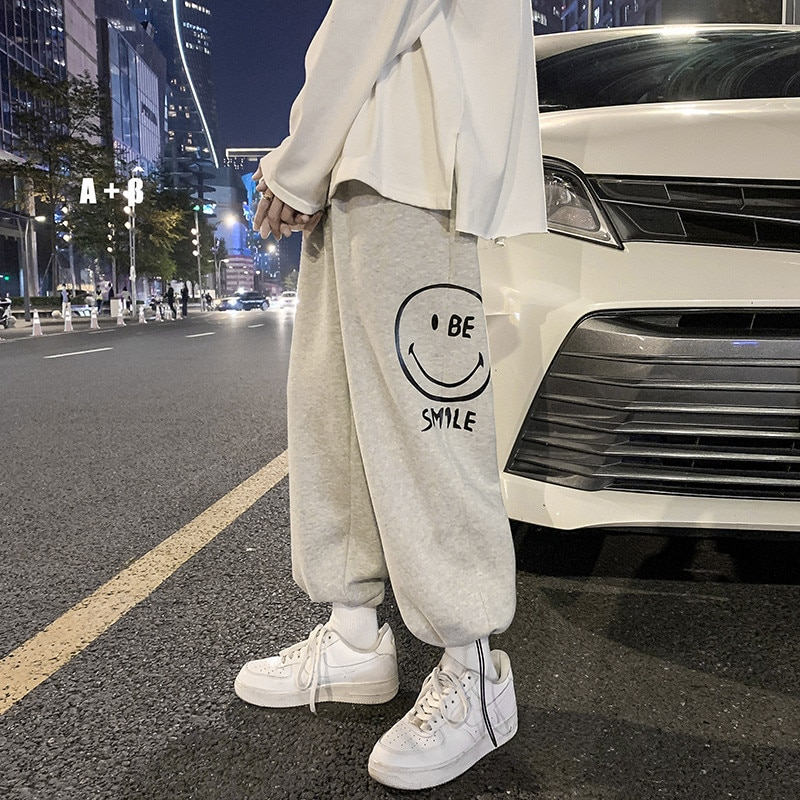 New hiphop pants in spring and autumn, men's and Korean fashion, loose wide leg drawstring leggings, leisure sports pants grrcosy maternity autumn new korean sweatshirt loose sportswear with wide leg pants fashion pregnant woman set cloth