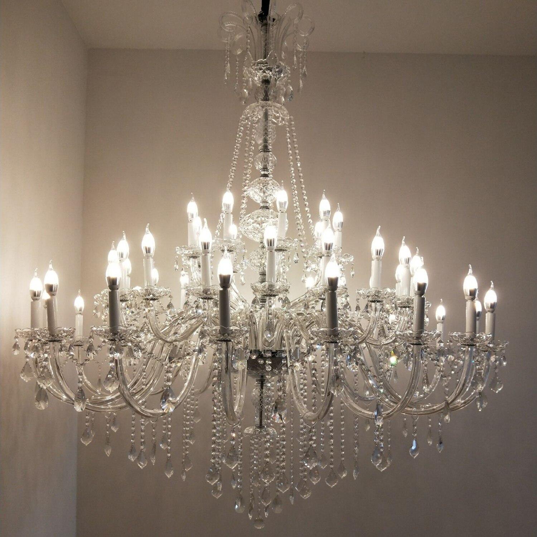 كريستال كبير الثريات الفاخرة غرفة المعيشة فيلا مطعم الدرج ضوء الراقية فندق اللوبي شفافة نجفة مزودة بوحدات إضاءة
