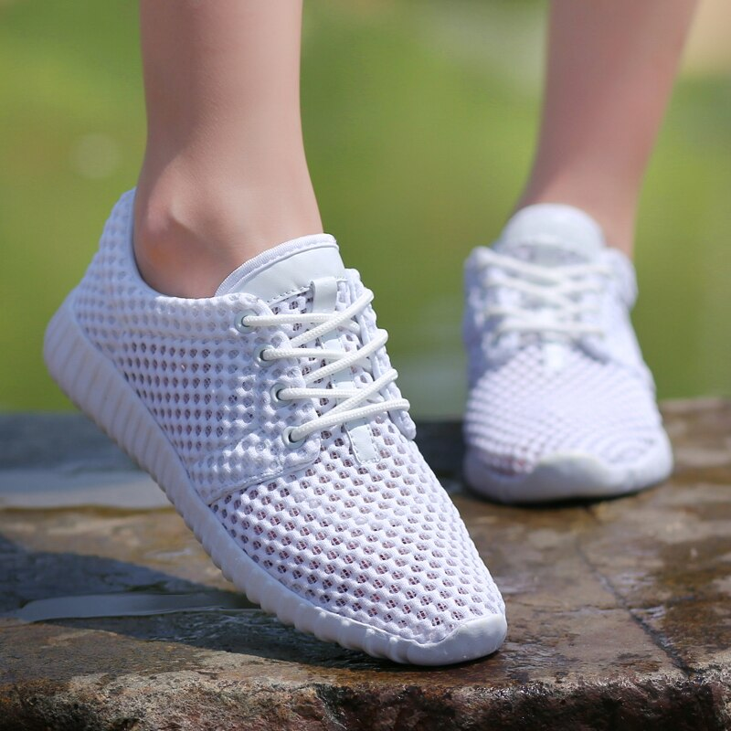 Lovers Light White Breathable Mesh Low Top Casual Sports Shoes Fashion Man